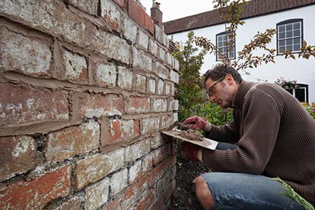 Pointing with Lime Mortar